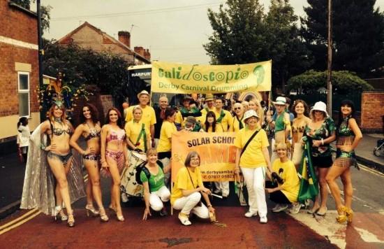 Calidoscopio and Solar School of Samba lead the parade